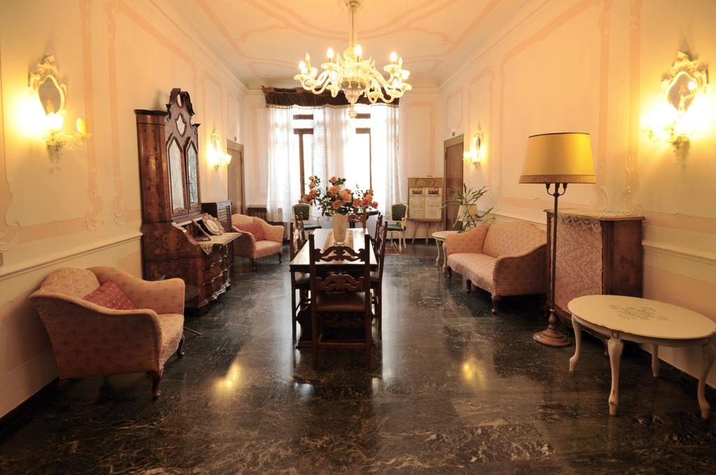hotel venezia economico