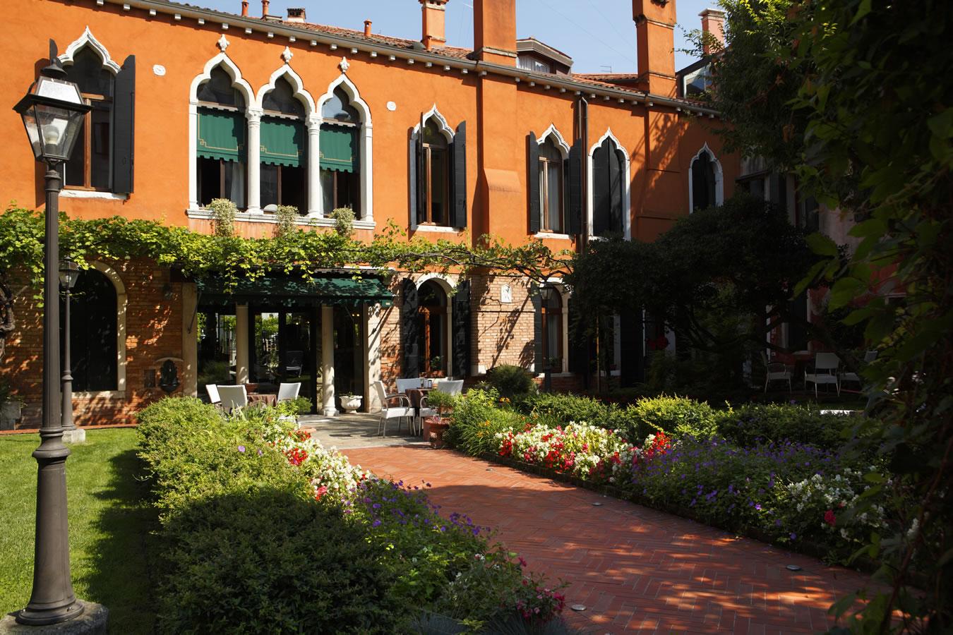 hotel pensione accademia dorsoduro venezia