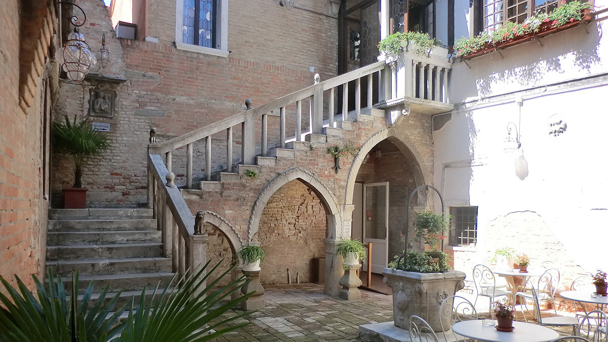 hotel venezia dorsoduro ca nobile corner