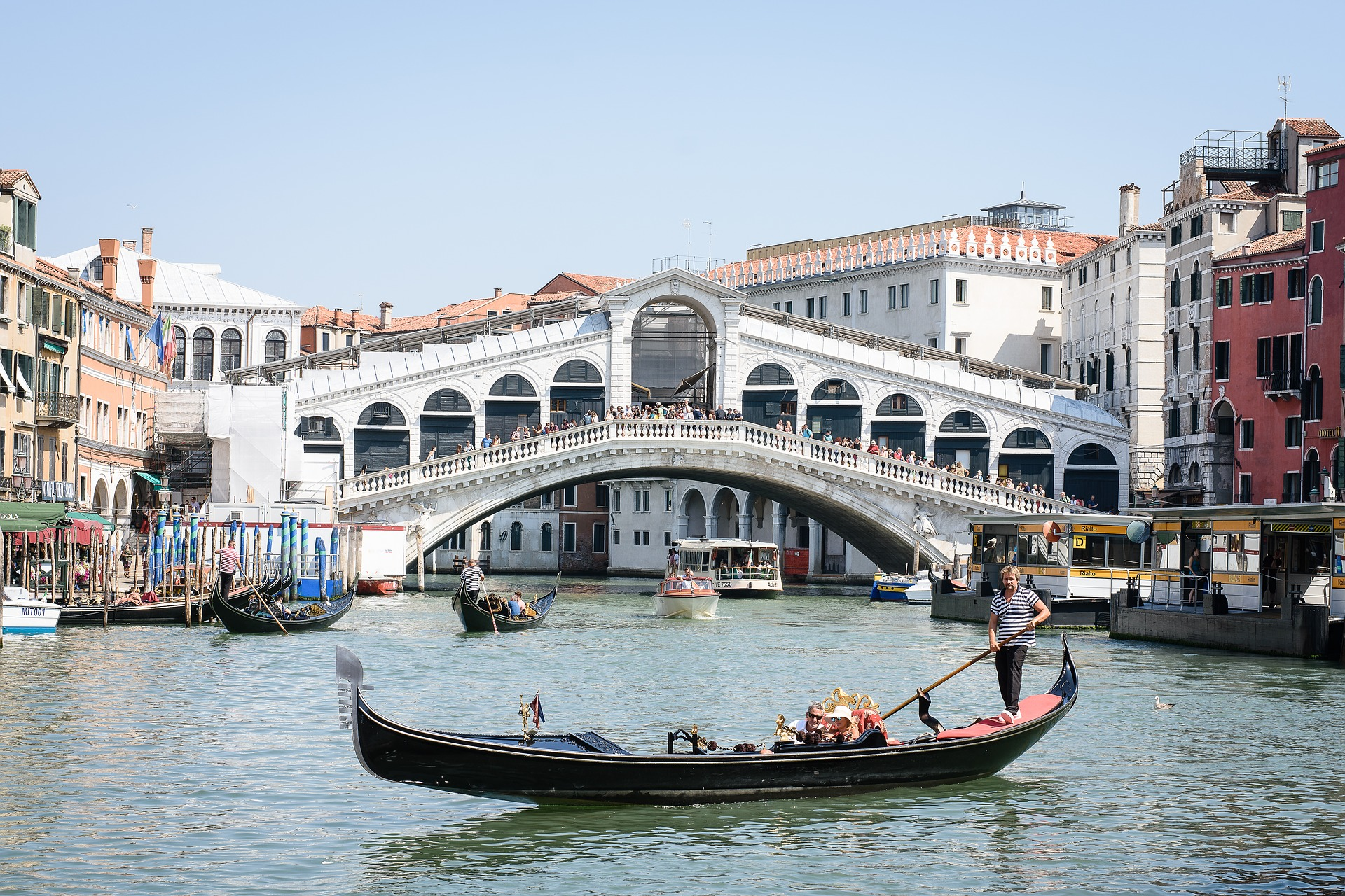 ponte rialto venezia gondola canal grande