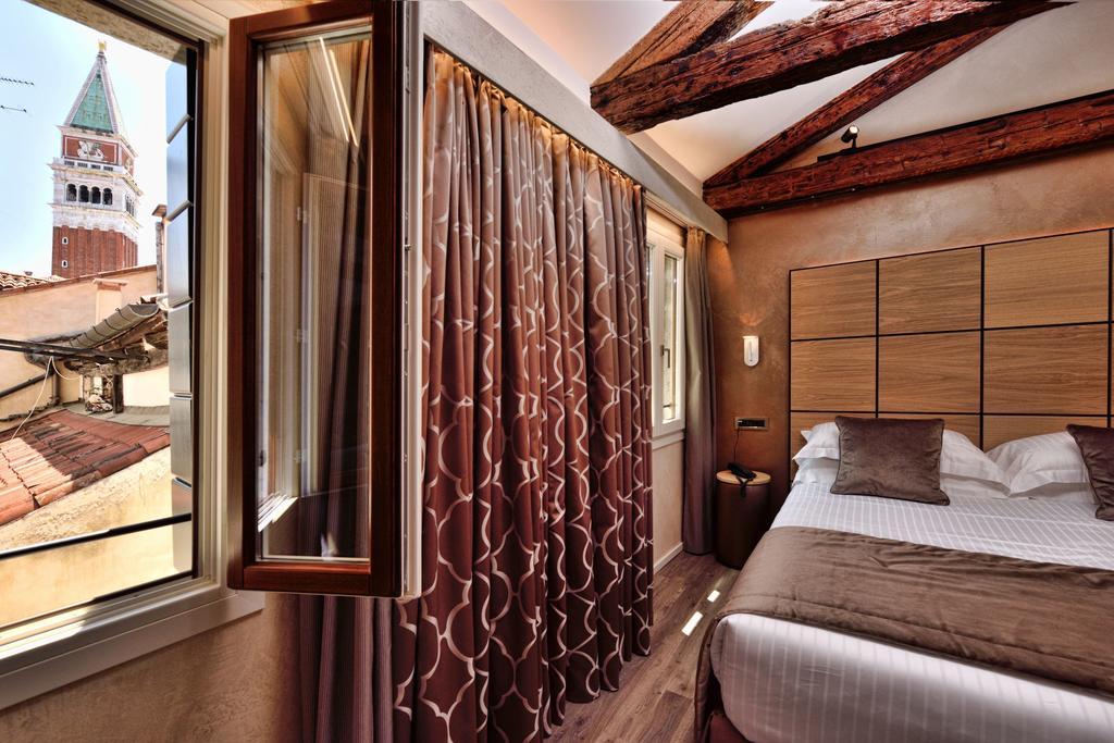 hotel venezia centro rosa salva camera