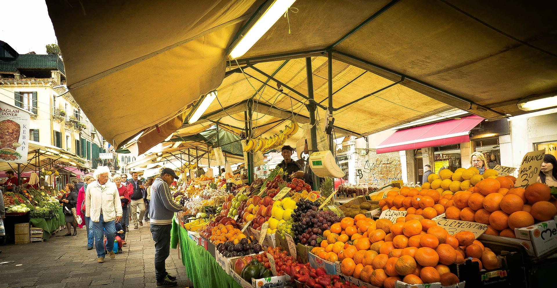 mercato rialto dove dormire a venezia