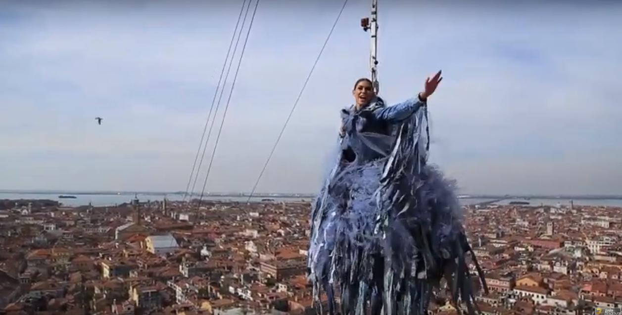 Carnevale volo aquila Venezia