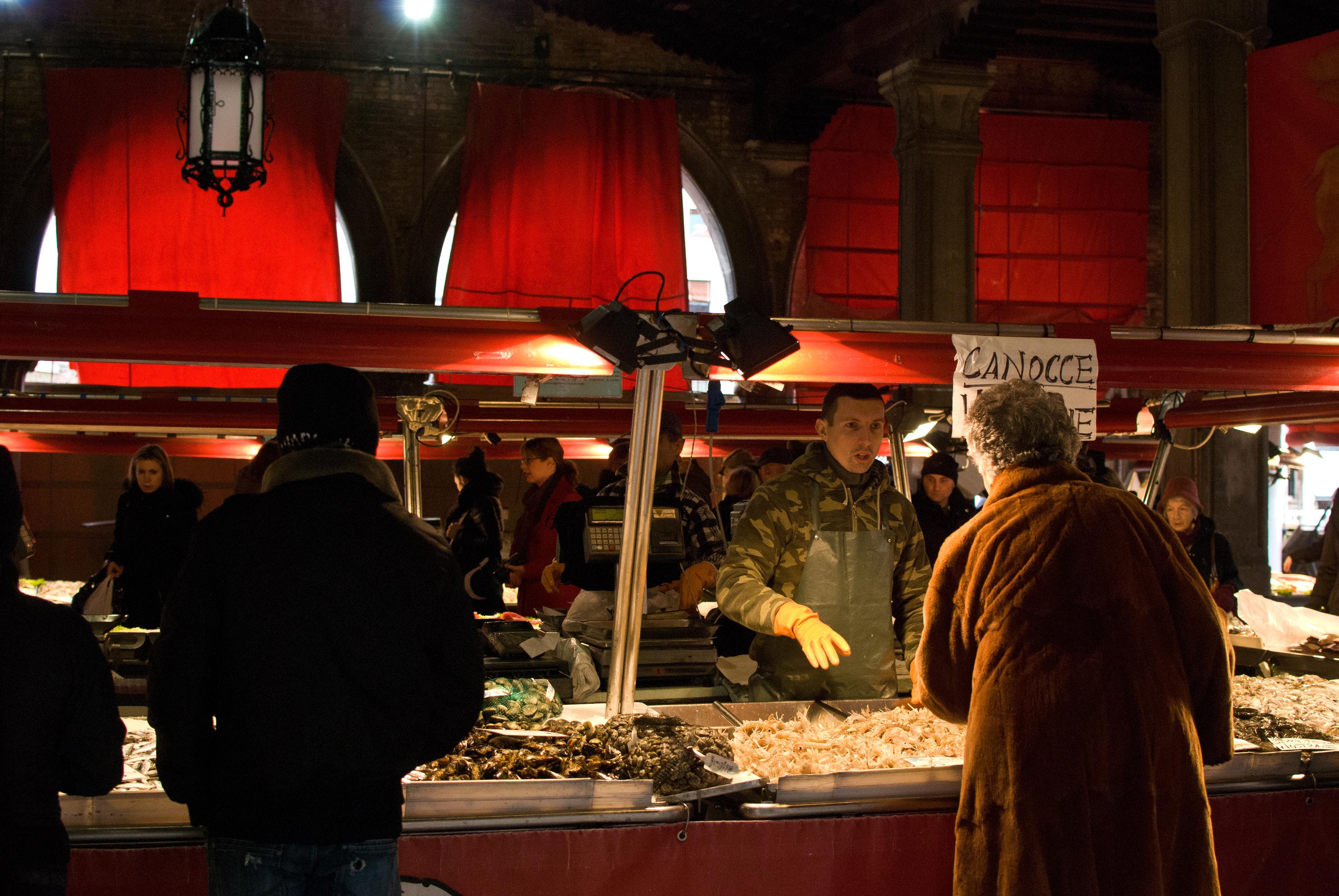 Rialto mercato del pesce Venezia