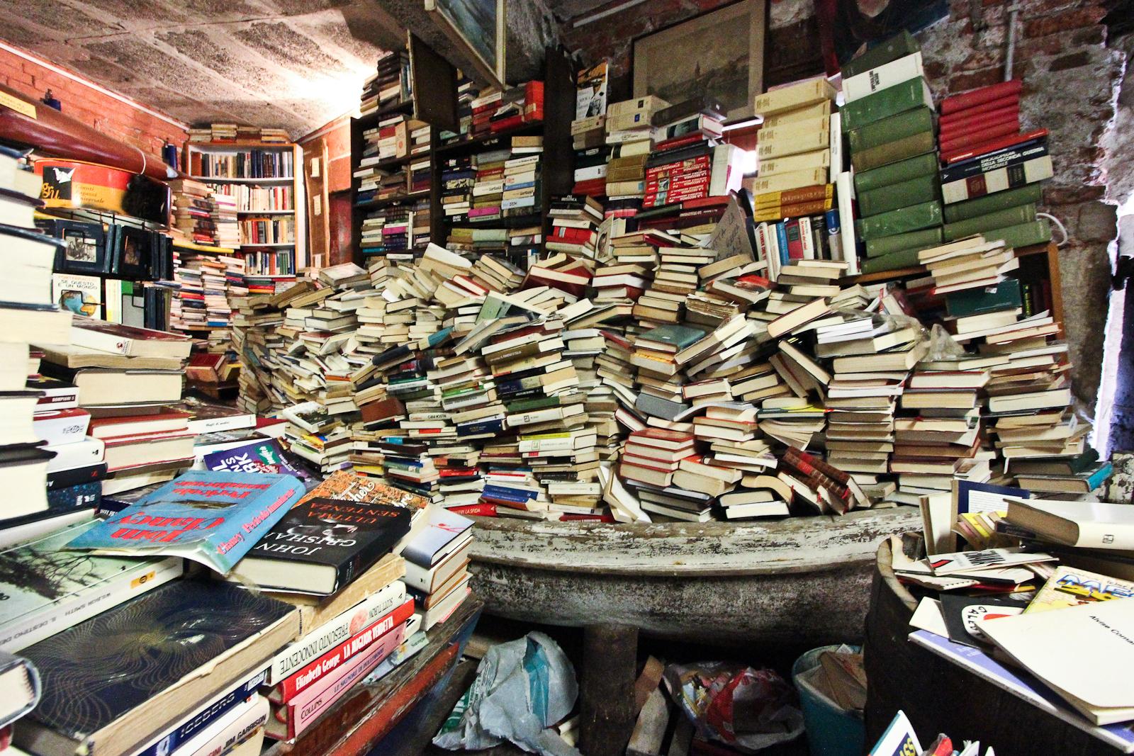 cosa vedere a venezia libreria acqua alta