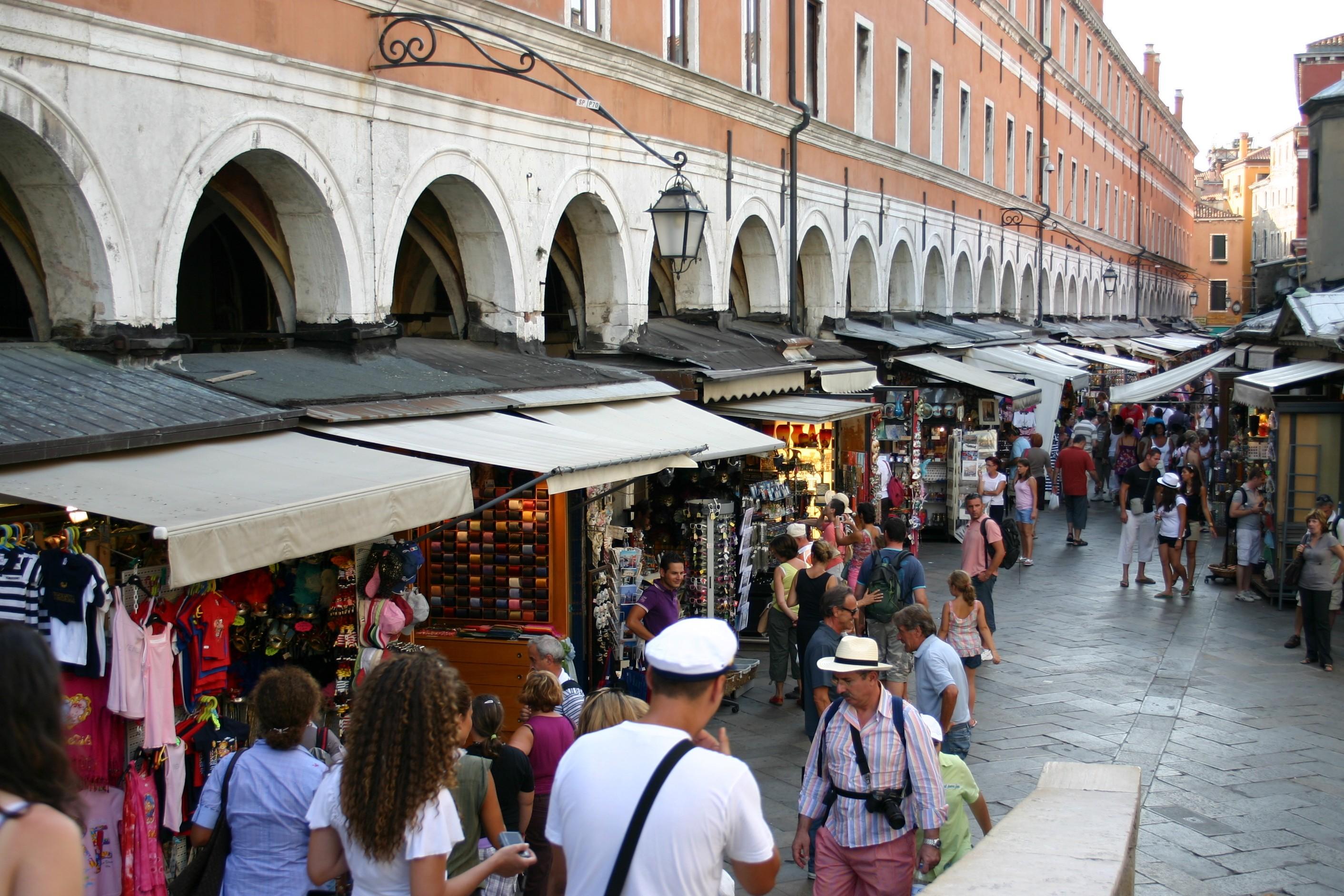mercato ponte di rialto venezia
