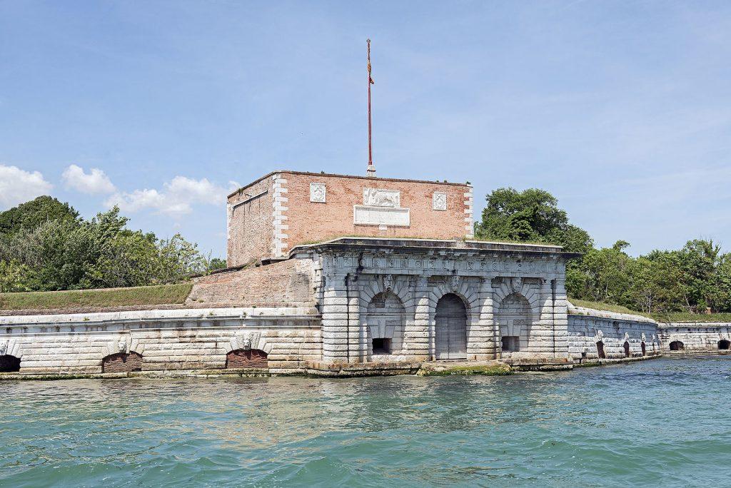 isola sant'andrea forte venezia cosa vedere