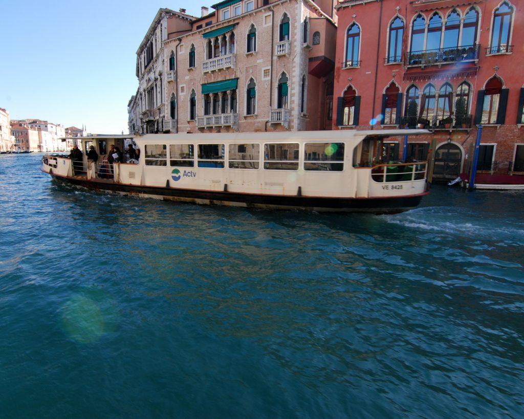 vaporetto canale Venezia